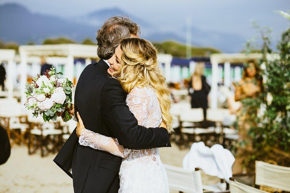 Matrimonio In Spiaggia Forte Dei Marmi : Matrimonio in riva al mare forte dei marmi lucca alessio bazzichi