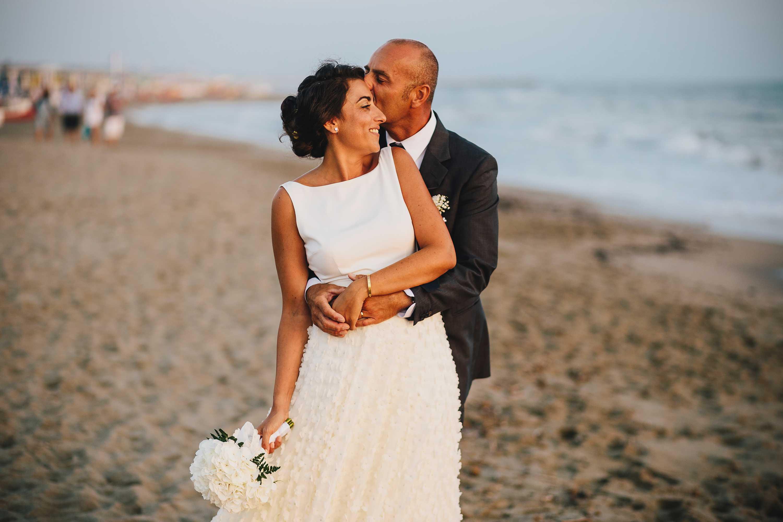 Matrimonio In Spiaggia Forte Dei Marmi : Matrimonio al bagno alpemare forte dei marmi lucca alessio